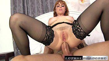 Xxx sexo anal com ruiva de seios grandes